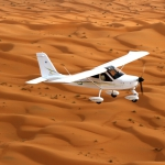 En P92 Tecnam sur les dunes de Merzouga (mars 2012)